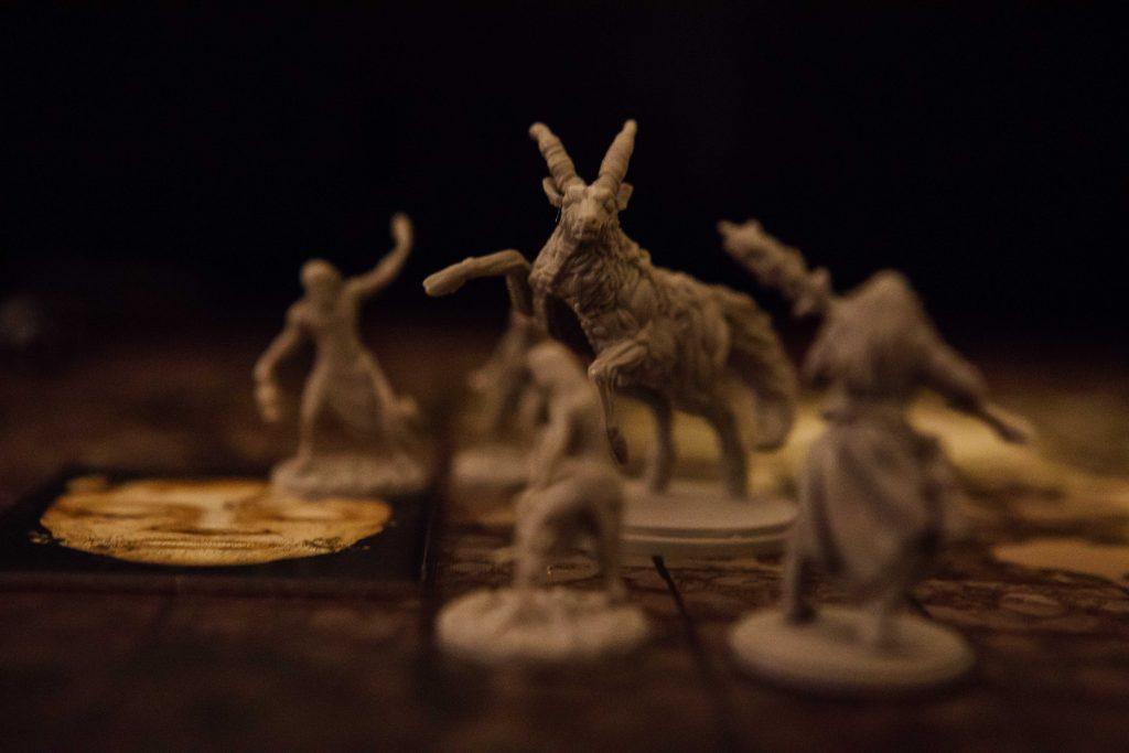 Kingdom Death Monster Antelope surrounded